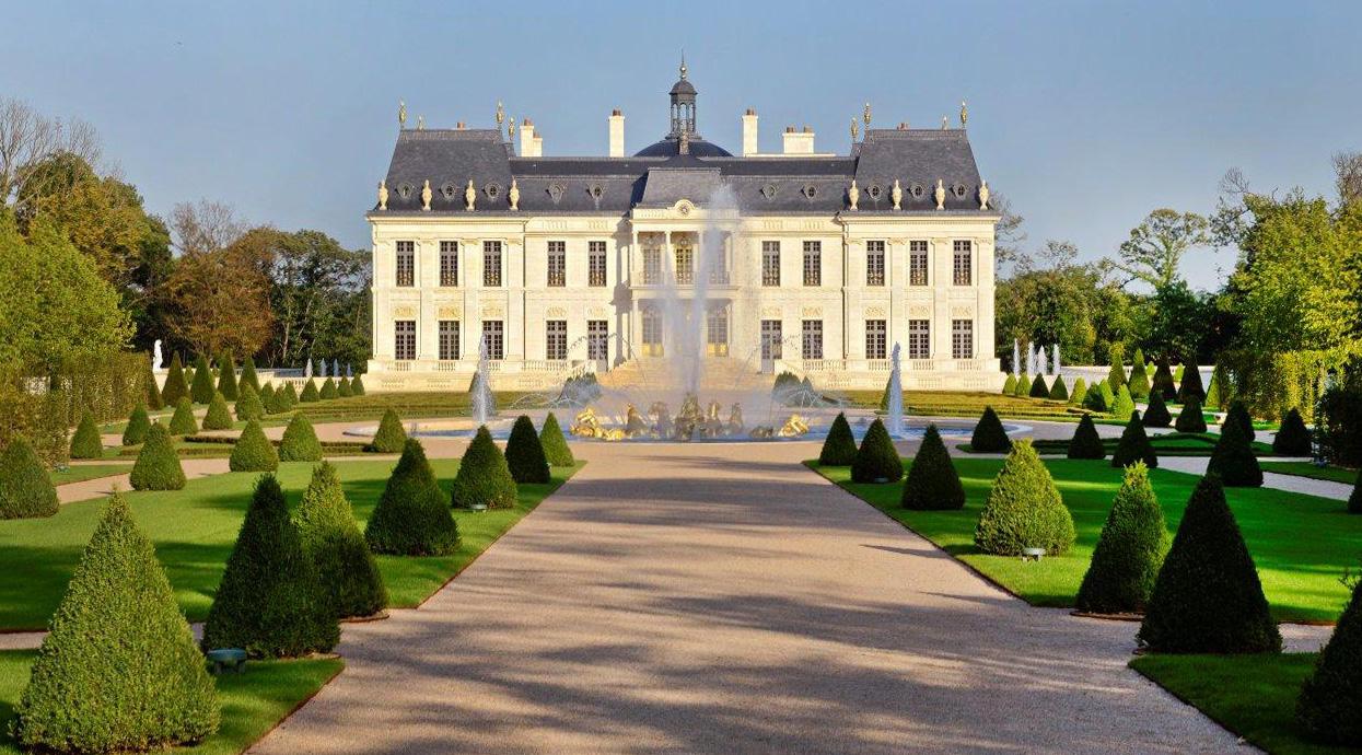 замок людовика франція